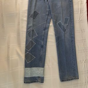 New LEVIS Jeans Women's with Appliqué.